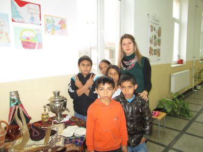 """Изложба """"Традициите и занаятите в моето семейство"""" 3"""